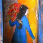 Femme au bouquet sur un balcon